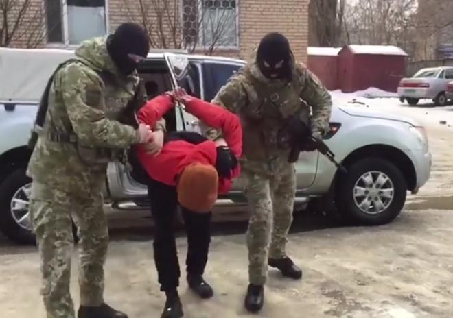 На Донетчине задержан бывший член «молодой гвардии ДНР» - фото
