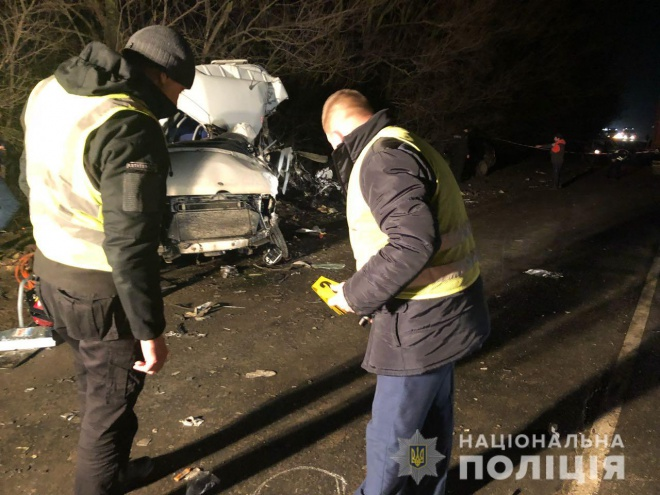 Под Одессой в ДТП погибли двое полицейских - фото