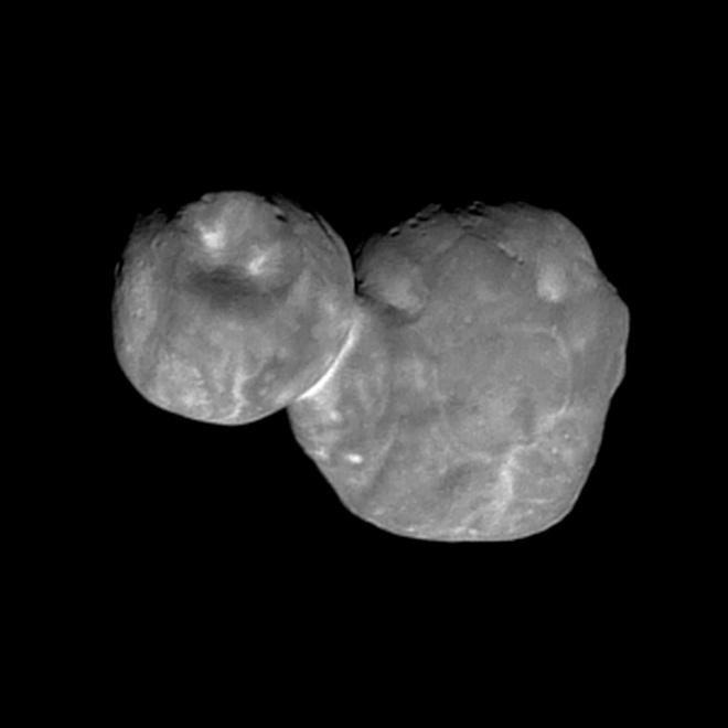 """Появилось более качественное фото далекого астероида """"Ультима Туле"""" - фото"""