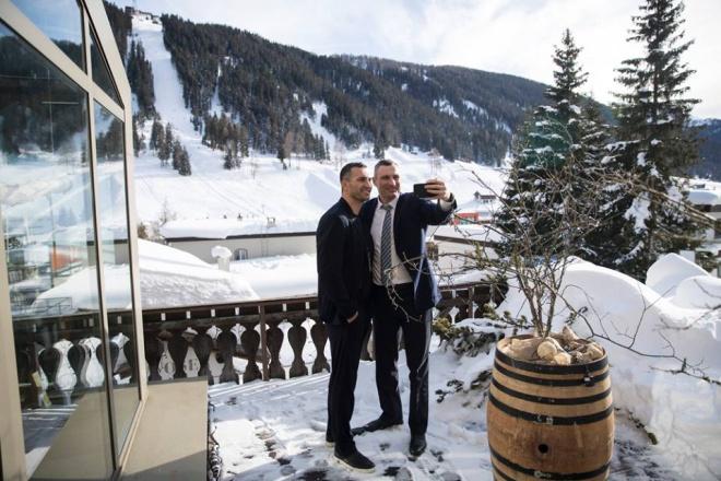 Виталий Кличко попал в больницу в Австрии - фото