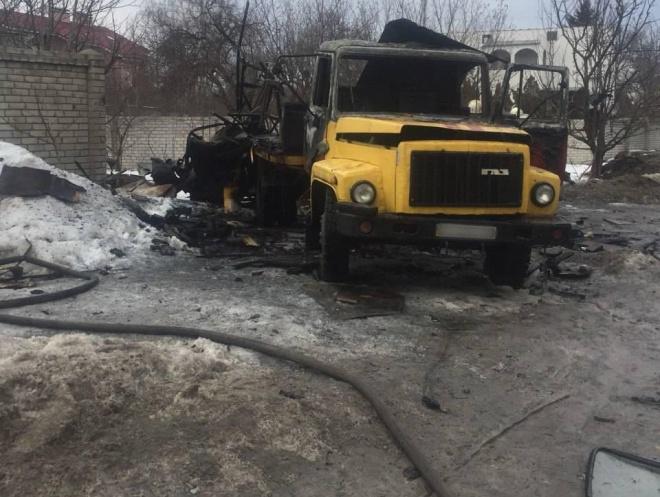 В грузовике взорвался газовый баллон, погиб человек - фото