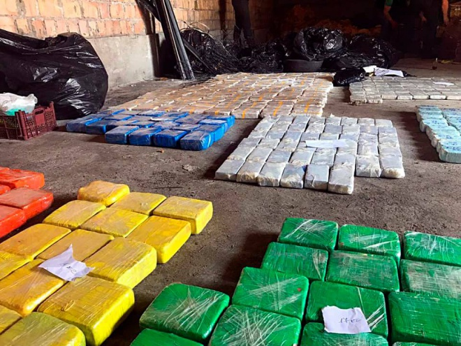 В Киеве полиция изъяла полтонны кокаина - фото