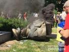 В Харькове снесли памятник Жукову, из-за столкновений полиция открыла дела