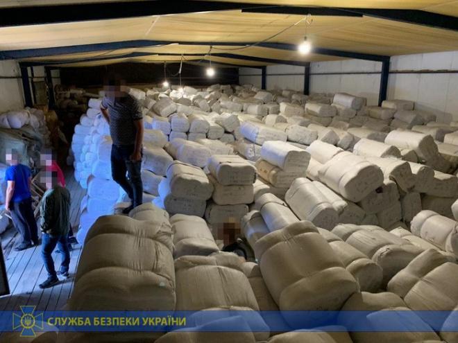 СБУ заявила о блокировании самой масштабной контрабанды товаров из Китая - фото