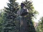 В Харькове снова установили памятник Жукову