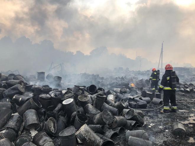 На Львовщине возникл крупный пожар, есть пострадавшие - фото