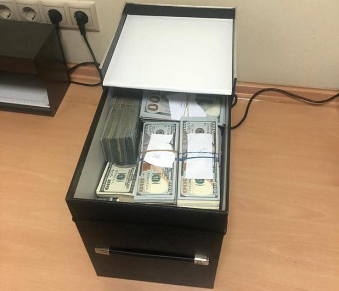 Вымогательство в Институте Шалимова: еще $ 840 тыс обнаружили у задержанного врача - фото