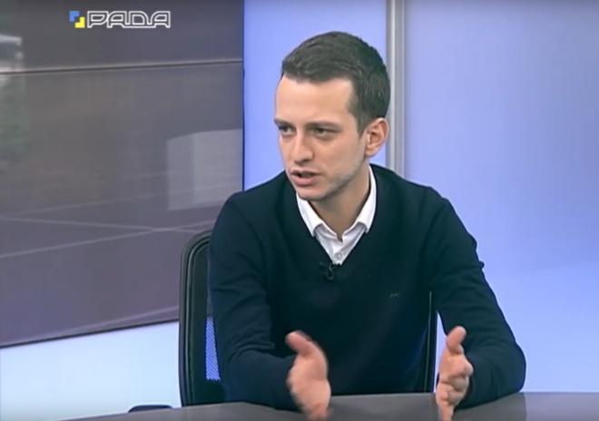 Нардеп Алексей Устенко назвал виной захвата Крыма... «языковой закон» - фото