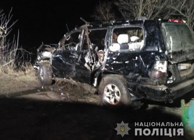 Автомобиль въехал в ставок на Днепропетровщине, погибли 4 человека - фото