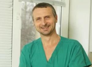 Хирург из института Шалимова, задержанный на «сдирании» $ 22 тыс от пациента, отделался штрафом - фото