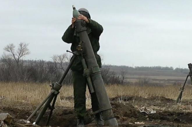 Сутки ООС: 10 обстрелов, снова «запрещенные» минометы, без потерь - фото