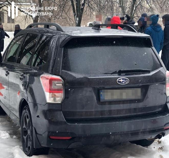 Задержан патрульный, который ранил пассажира авто во время преследования - фото