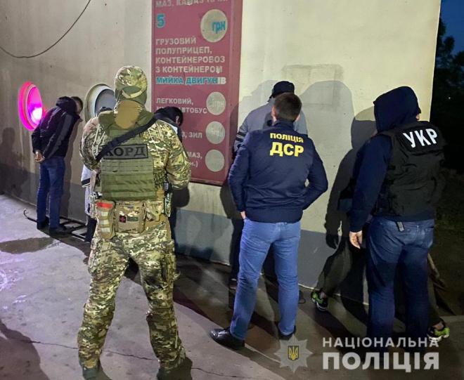 Иностранных киллеров, пытавшихся застрелить черногорца в Киеве, задержано в Одессе, - полиция - фото