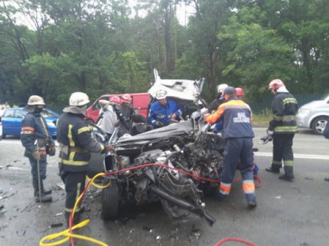 Водителю, который стал причиной ДТП со смертью двух взрослых и двух детей, сообщено о подозрении - фото